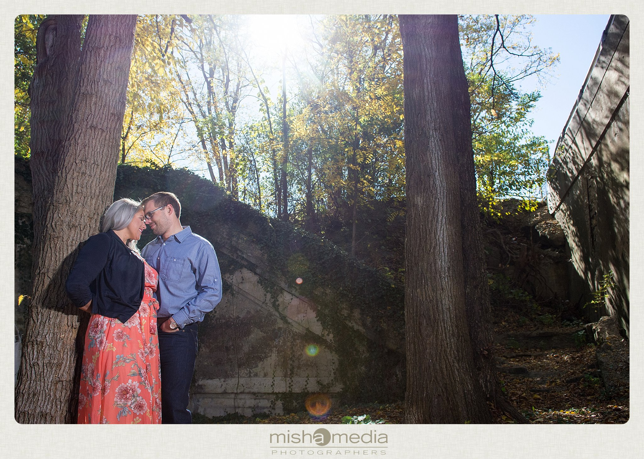 Outdoor Engagement Session at Dellwood Park_0018