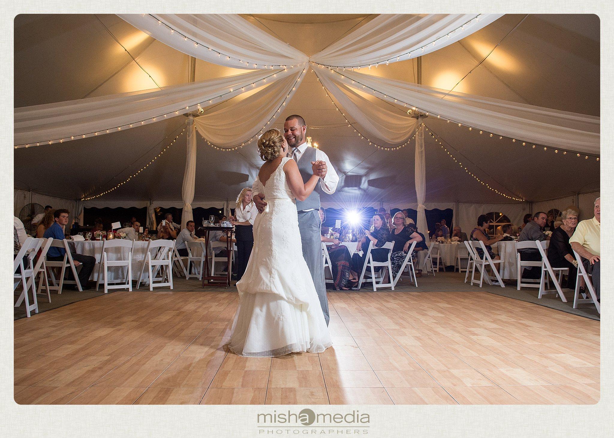 Weddings at Chestnut mountain Resort_0025
