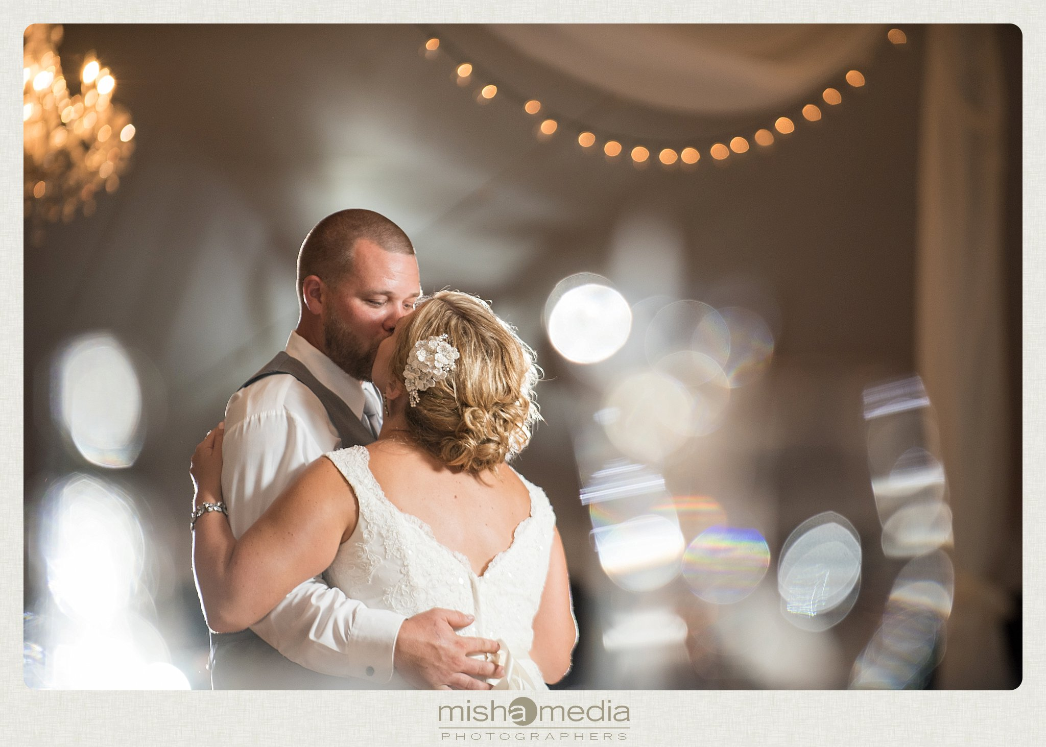 Weddings at Chestnut mountain Resort_0027