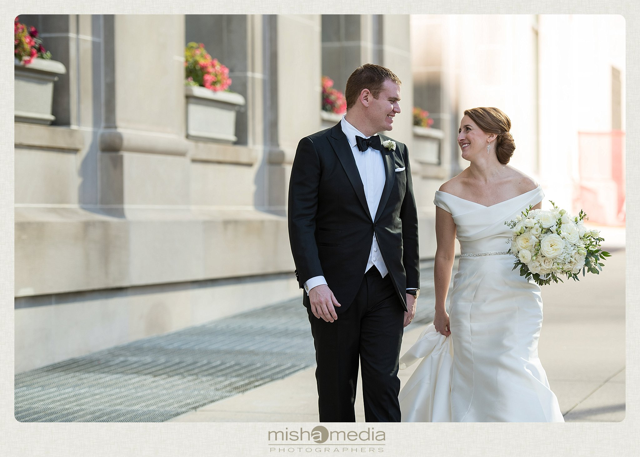 Weddings at Newberry Library_0013