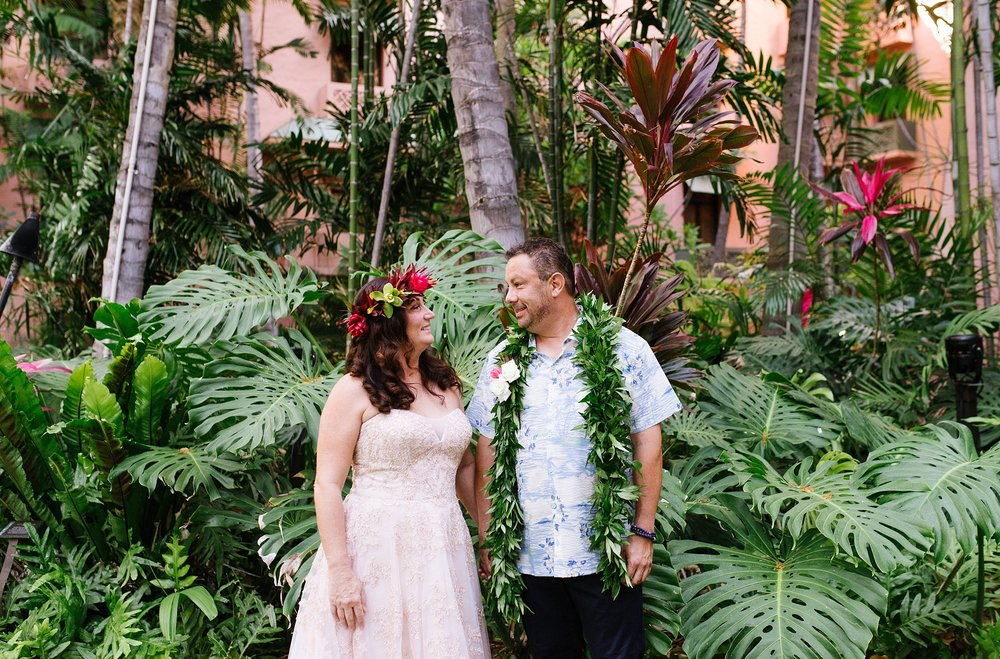 hawaii_oahu_beach_wedding_chelseadierphotography_0007.jpg