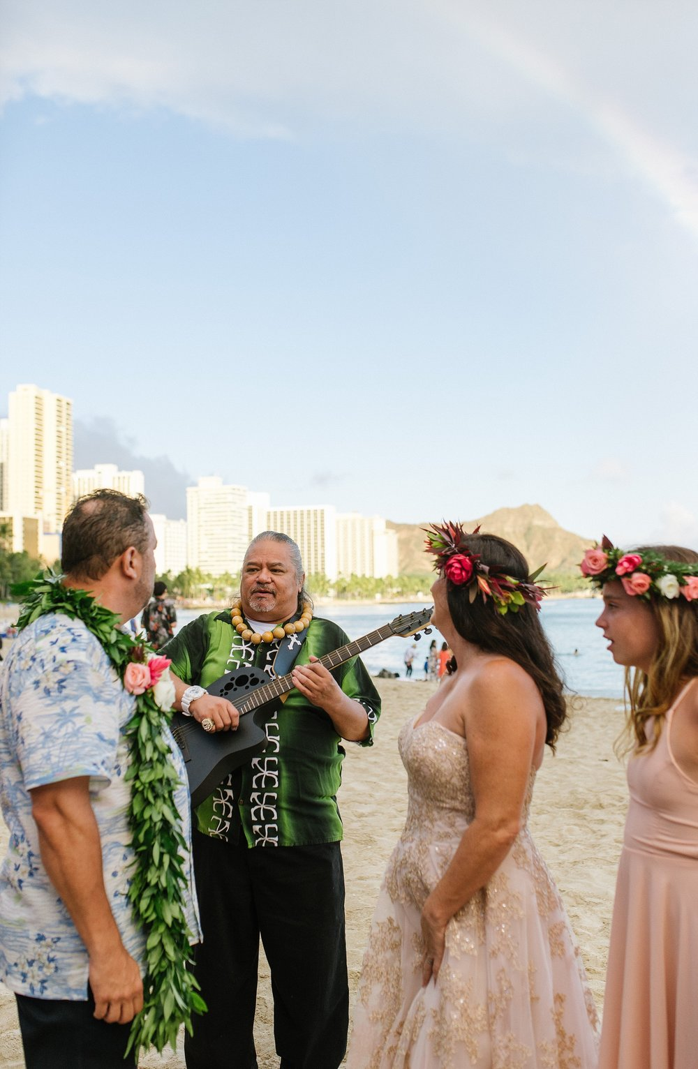 hawaii_oahu_beach_wedding_chelseadierphotography_0018.jpg