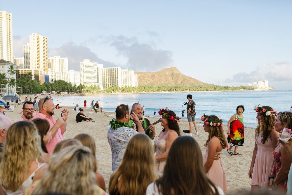 hawaii_oahu_beach_wedding_chelseadierphotography_0020.jpg