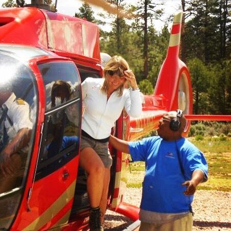 I love helicopter fllights, we have done quite a few amazing ones. What was your favorite helicopter flight or which one would you like to do once? . Ik vind helikoptervluchten zo leuk. Welk was jouw leukste vlucht of welke zou je graag eens doen? . . . #reizen #travelblog #reissensatie #vakantie #vakantiegevoel #belgianblogger #helikoptervlucht #helicopter #wanderlust #travel #traveler #helicopterflight #helicopter #adventure #adventuretime #avontuur