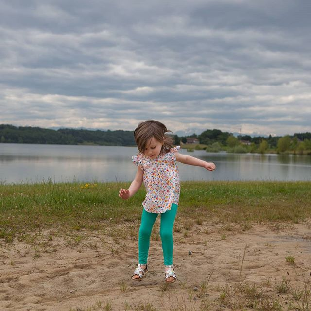 Storm's a-brewin' down by the lake! Hoping for one of those wild French thunder and lightning storms tonight ☈ . . . . . . . #ipbig #inbeautyandchaos #thesincerestoryteller #thefamilycollective #storytellingmama #wildandbravelittles #cpcfeature #ig_beautiful_kids #lifeandlensblog #momentsinmotherhood #motherhoodintheraw #motherhoodiscolourful #natureplay #raisethemwild #outdoorclassroom #kidsoutside #playoutdoors #ohheymama #thismamaloves #livethelittlethings #chictopia #ig_motherhood #thehappynow #makeyousmilestyle #ourwhimsicaldays #influencersalliance #magicofchildhood #candidchildhood #runwildmychild