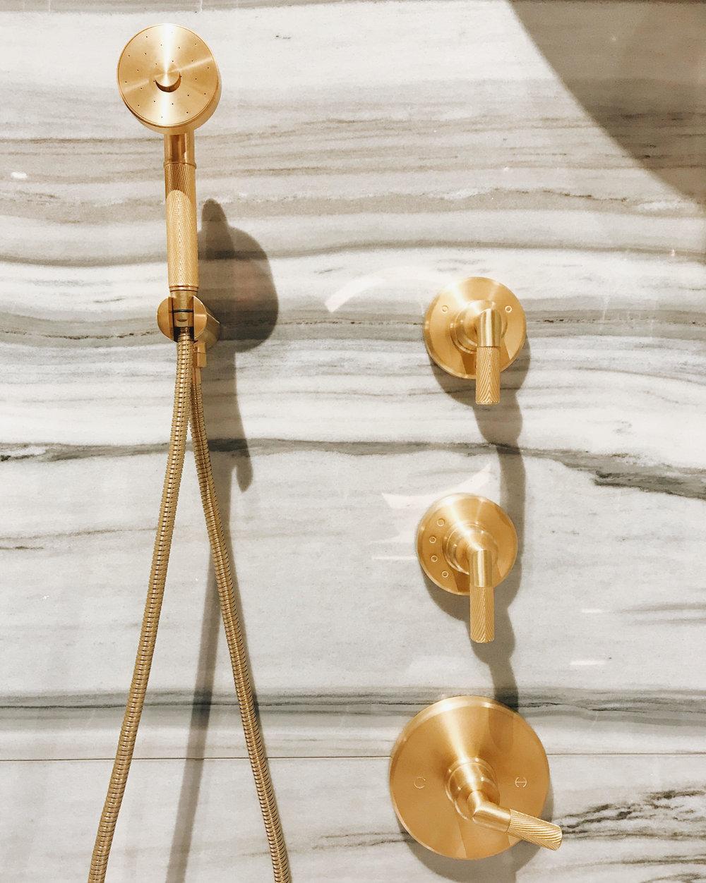 Kallista Laura Kirar   Pinna Paletta Hand Shower   in Unlaquered Brass