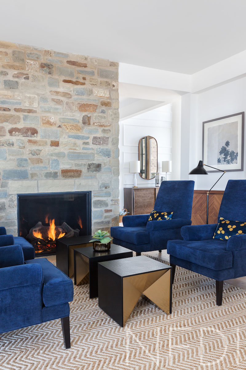 What is a Sitting Room? Country House Project by Calgary Interior Designer Nyla Free Designs, Architecture: DeJong Design Associates, Photographer: Phil Crozier