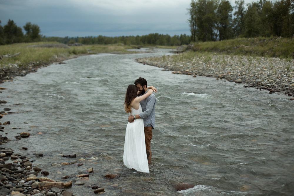 AzraandOak-Calgary-Family-Photographer-1075.jpg
