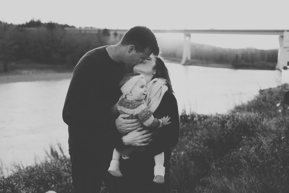 AzraandOak-Calgary-Family-Photographer-1126.jpg