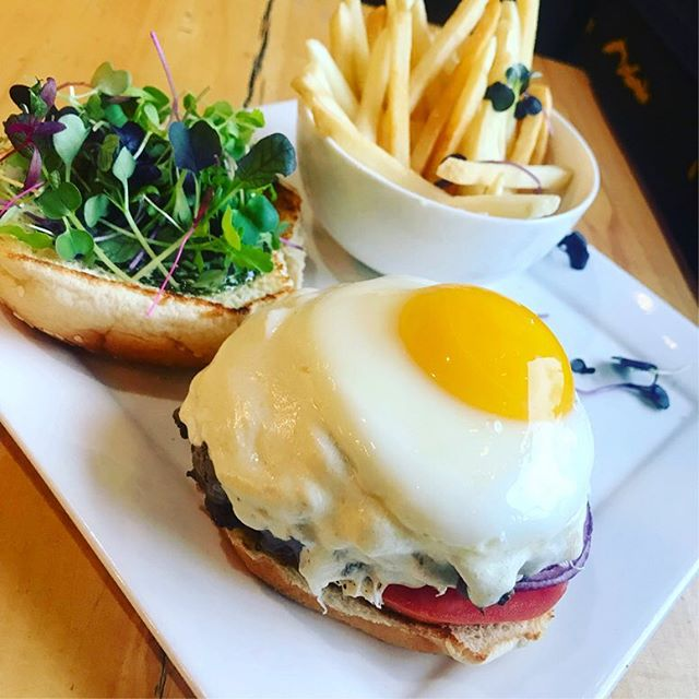Sirloin bacon breakfast burgers are on the grill!! . . . #coffeeshop #astoriaqueens #astorialife #astoria #brunch #astoriaqueens #astoriaeats #astoriabrunch #brunchastoria #dogcafe #dogcoffee