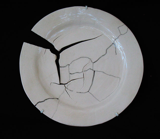 plate painted cracks , 2008 porcelain 9 3/4 x 10 x 1 inches