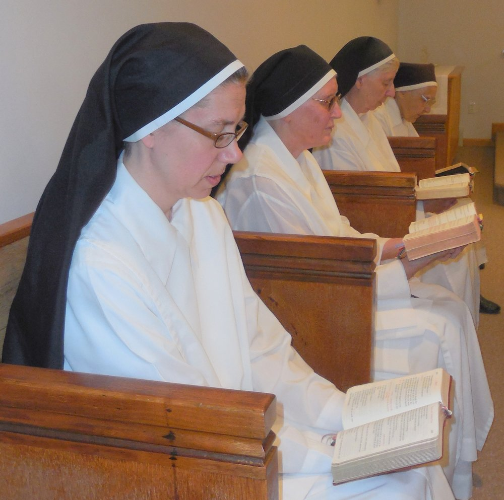 sisters at prayer