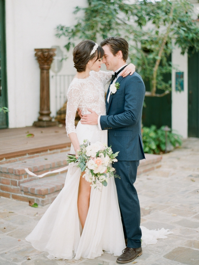 STYLE ME PRETTY : Want A Timeless Wedding?  See How It's Done!