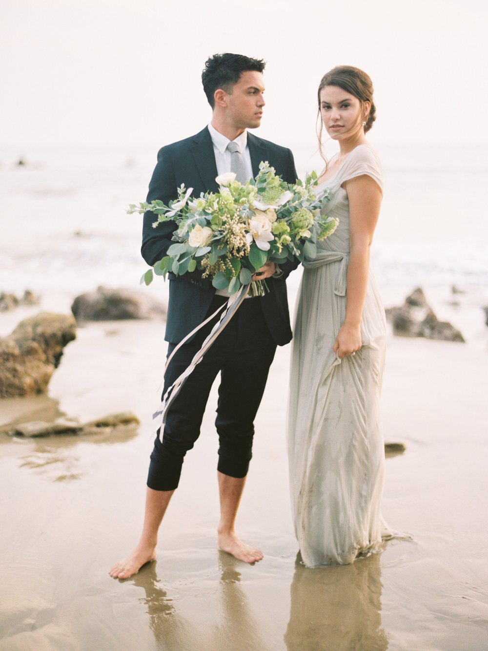 STYLE ME PRETTY : Elegant California Seaside Wedding Inspiration
