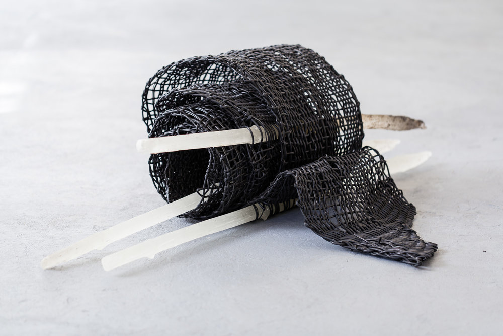Sabine Schlatter,  Fence , 2017, wire, wine cord, bio resin, ca. 123 x 34 cm   Photo: Kilian Bannwart