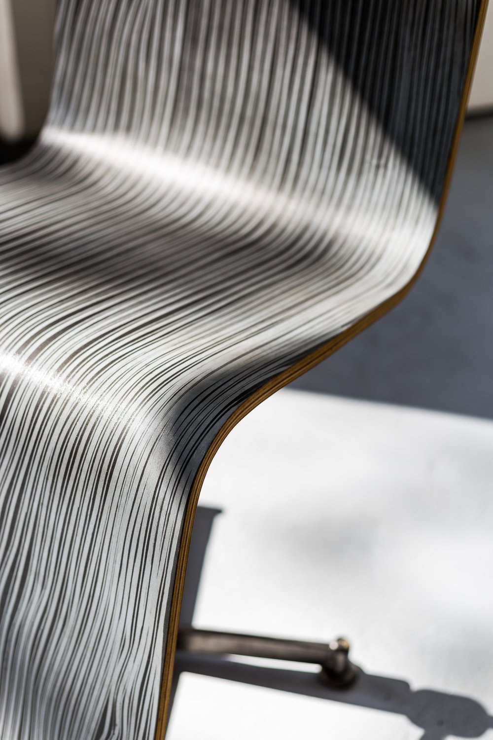 Fiona Banner,  Pinstripe Chair  (detail) ,  2015, graphite, vinyl, plywood, chair base, 148 x 52 x 50 cm  Photo: Kilian Bannwart
