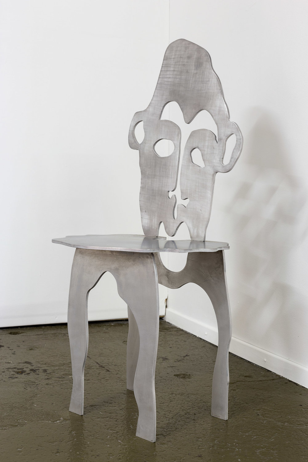 Xénia Lucie Laffely,  Face chair,  2017, steel, 51 x 109 x 47 cm  Photo: Kilian Bannwart
