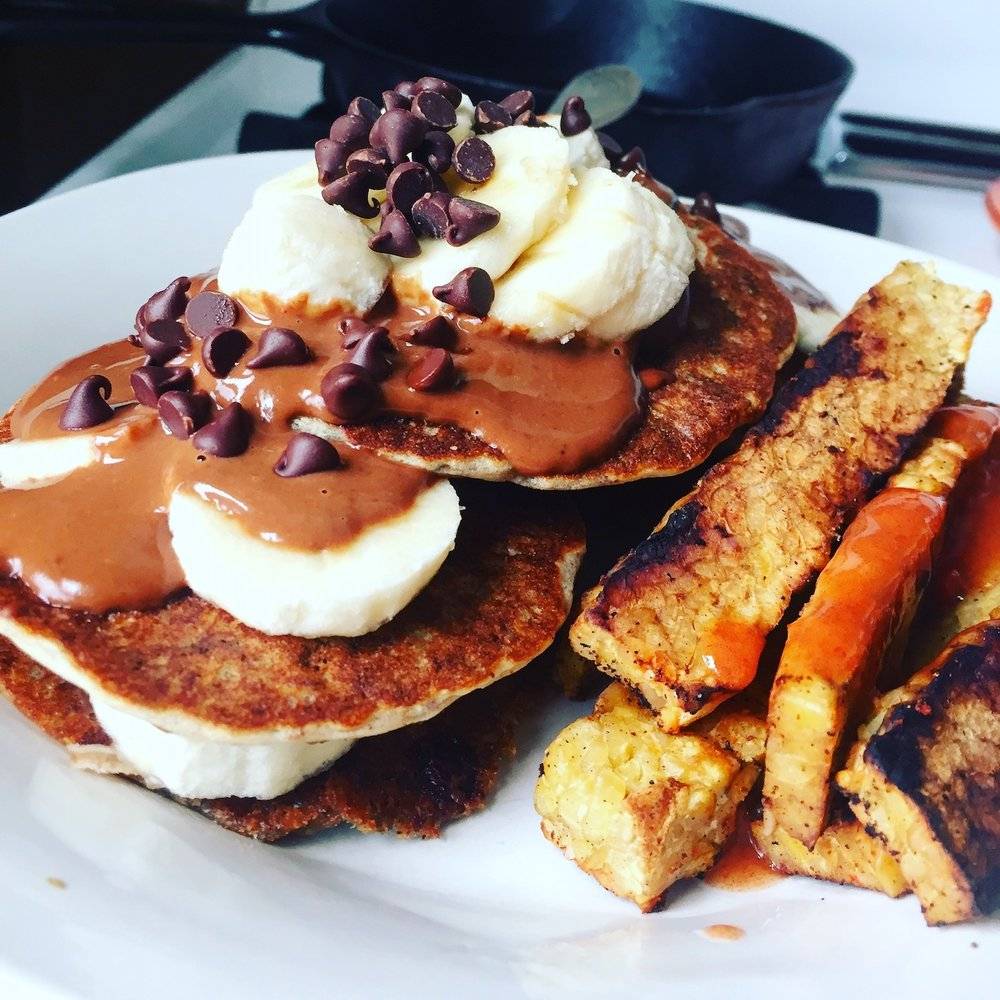 "Vegan pancakes with tempeh ""bacon"""