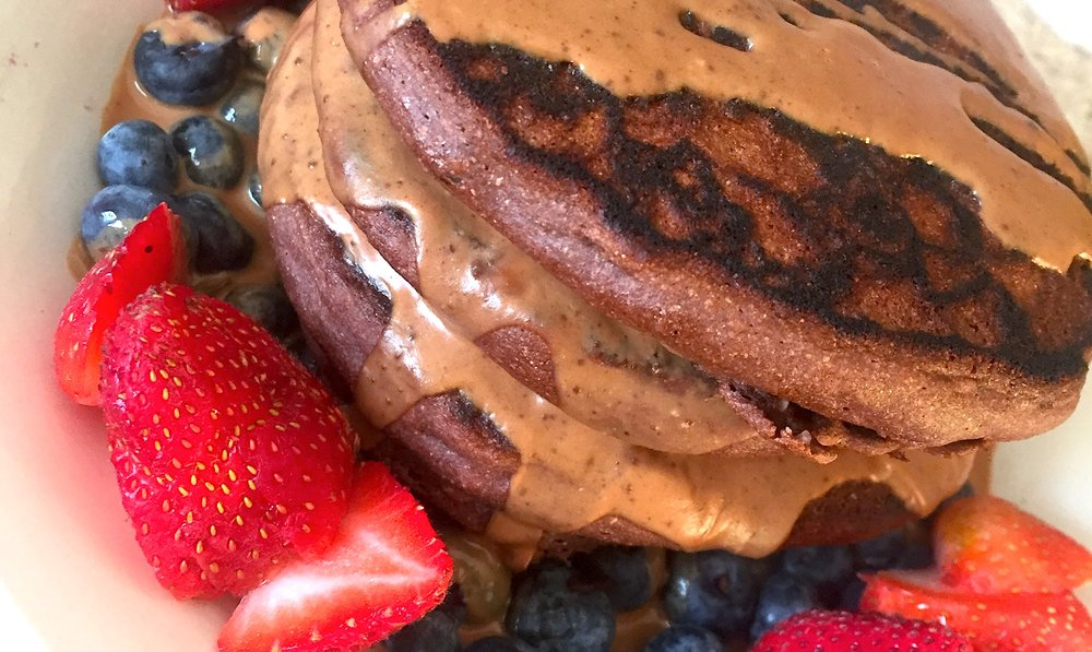 River-Runs-Wild-Blog-Recipes-Pancakes-Protein-Bodybuilding-Vegetarian-No-Meat-Fitness-Nutrition-Blog-Dark-Chocolate-Berries-PB2-Strawberry-Blueberry