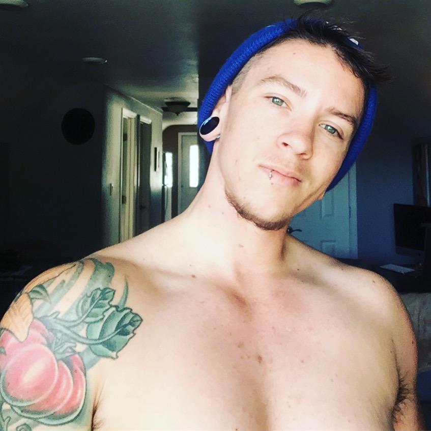River-Runs-Wild-FTM-Fitness-Bodybuilding-Trans-Man-Transgender-Transition-Bulking-Muscle-Size-Get-Big-Grow-Strength-Lifting-Chest