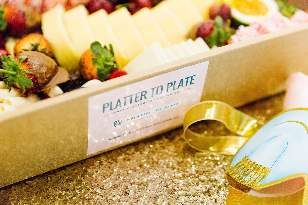 Platter box by  Platter to Plate . Photography by  Poppy & Sage Photography .