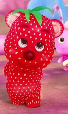strawberry-bear-barbie-dreamtopia.jpg