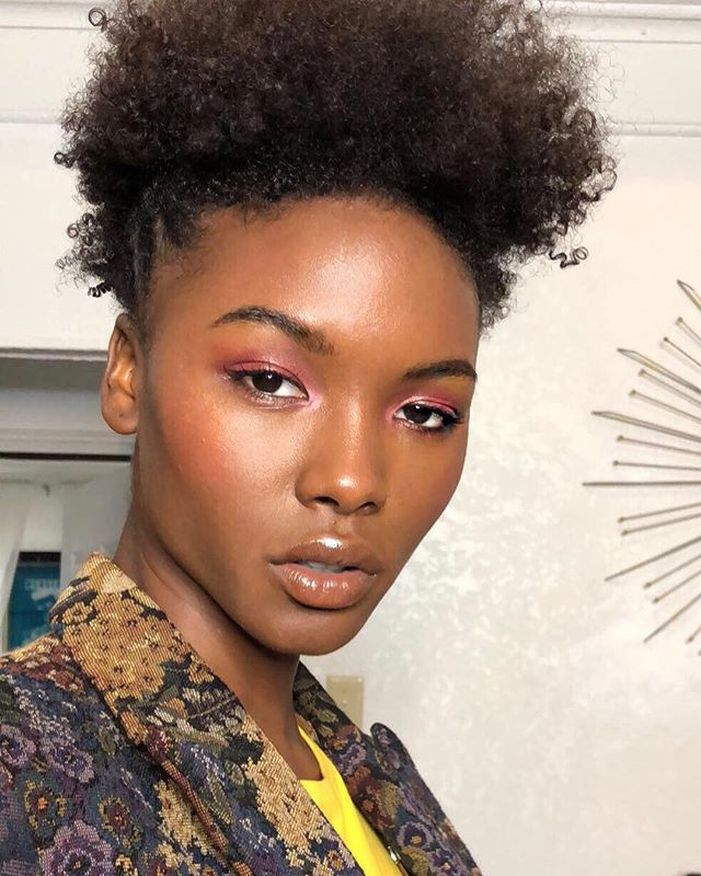 @iamdominiquerobinson serving lewks wearing the new @narsissist natural radiant foundation 💄 #facebypua 💇 @samandapaz 👔 @victorhugo.jpg #obsessed - - - - - - #skin #blackgirlmagic #nars #natural #naturalmakeup #editorialmakeup #braids #naturalhair #redeyeshadow #creamy #blush #glow #nudelip #glossbomb #beauty #fullcoverage #fashion #editorial