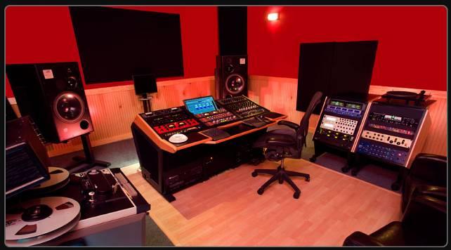 Mike Wells' analog mastering heaven.