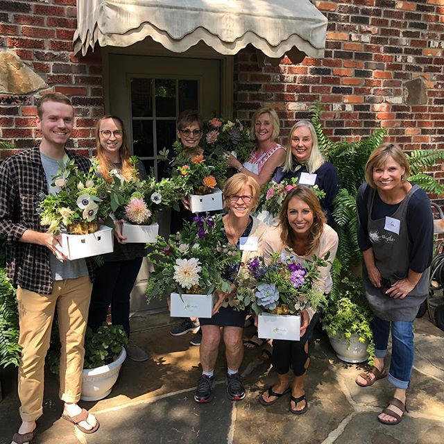 Such a fun group!  #floraldesignclasses #flowertherapy #Mckinneyflorist