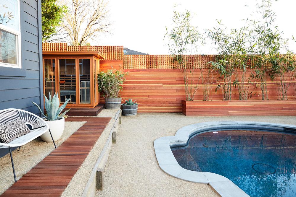 Backyard Pool & Sauna