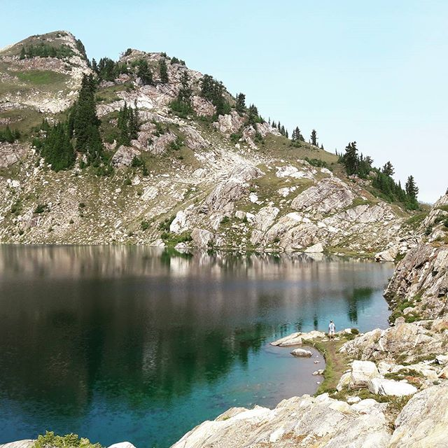 It's been a while since I've posted, so here's a pic of an #alpinelake. #pct #pacificcresttrail #washington
