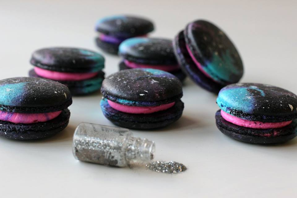 Food Network Facebook Video on how to create the Galaxy Macaron