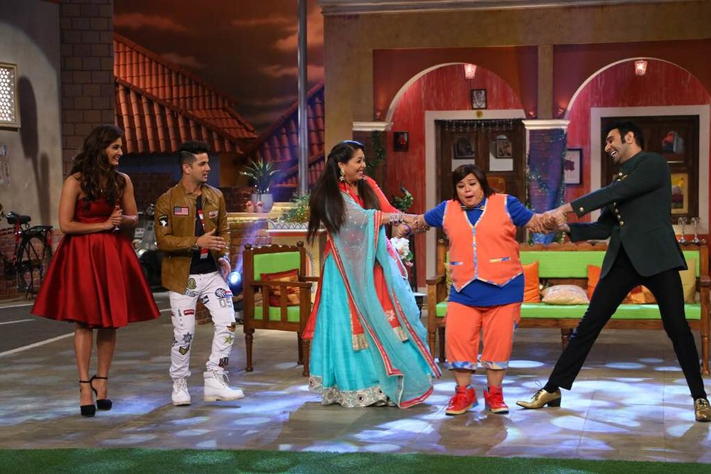 Sandip-Soparrkar-Geeta-Kapoor-Mudassar-Khan-and-Mukti-Mohan-in-Comedy-Night-Live-2.jpg