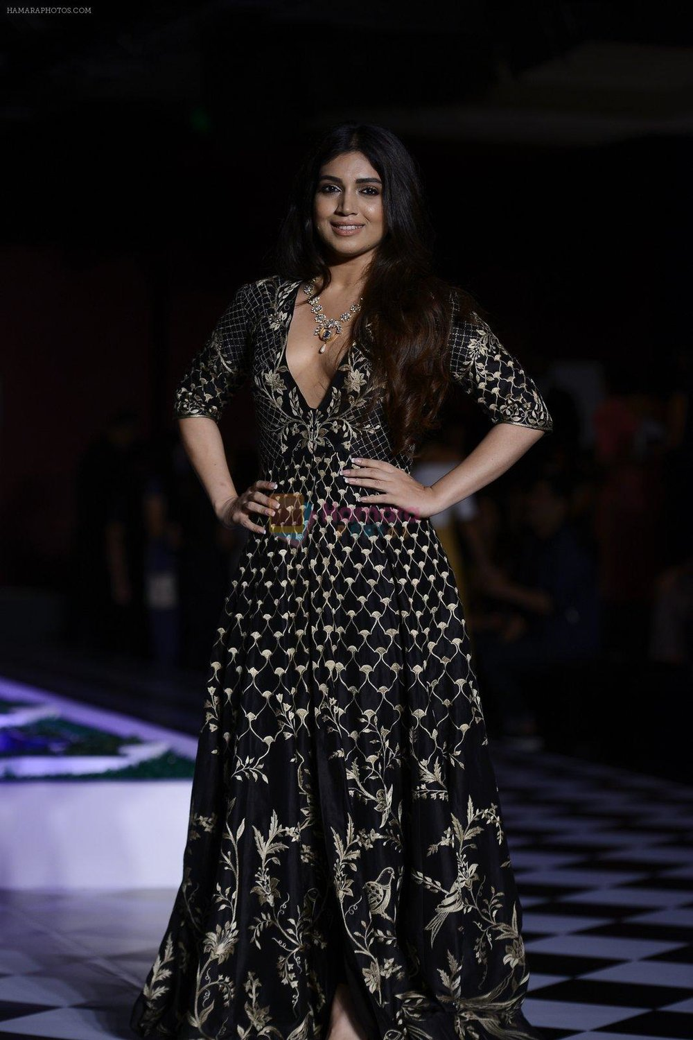 Bhumi-Pednekar-walk-the-ramp-for-Anita-Dongre-show-at-the-FDCI-India-Couture-Week-2016-on-21st-July-2016-2.jpg