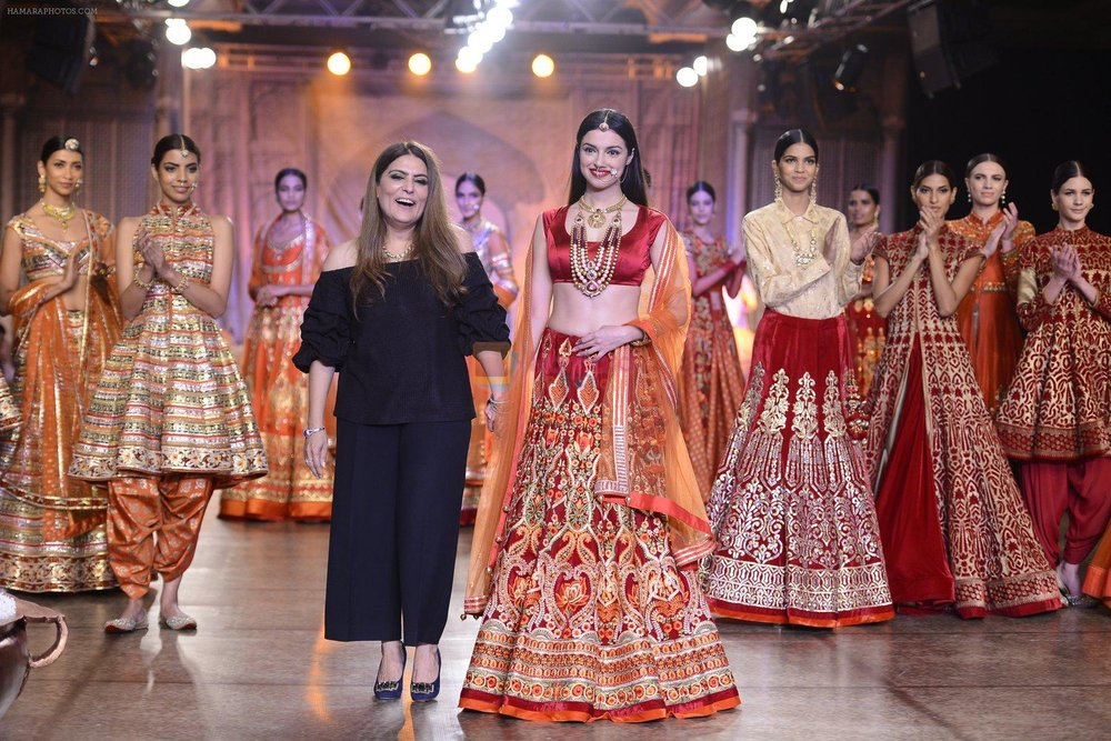 Divya Khosla Walks For Reynu Taandon at the FDCI India Couture Week 2016 shown to user