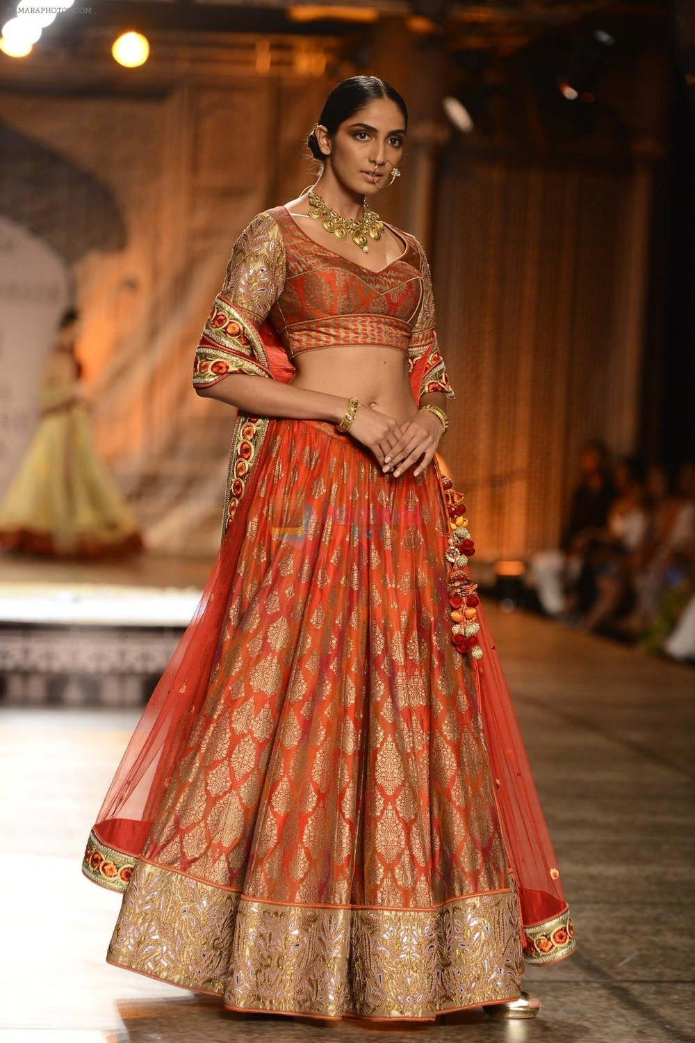 Models-Walk-the-ramp-for-Reynu-Taandon-at-the-FDCI-India-Couture-Week-2016-4.jpg