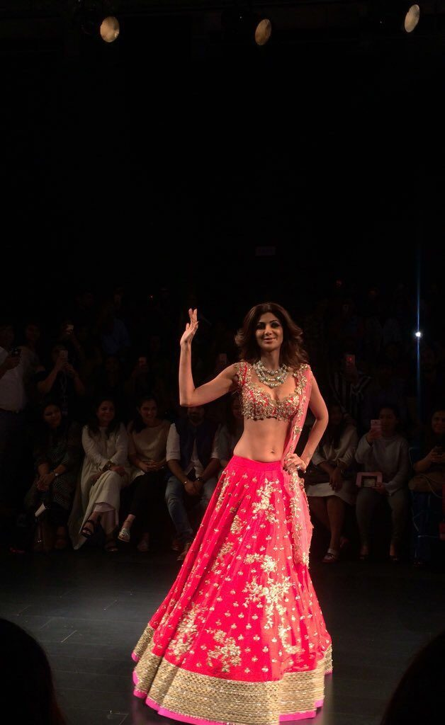 Lakme-Fashion-Week-4-628x1024.jpg