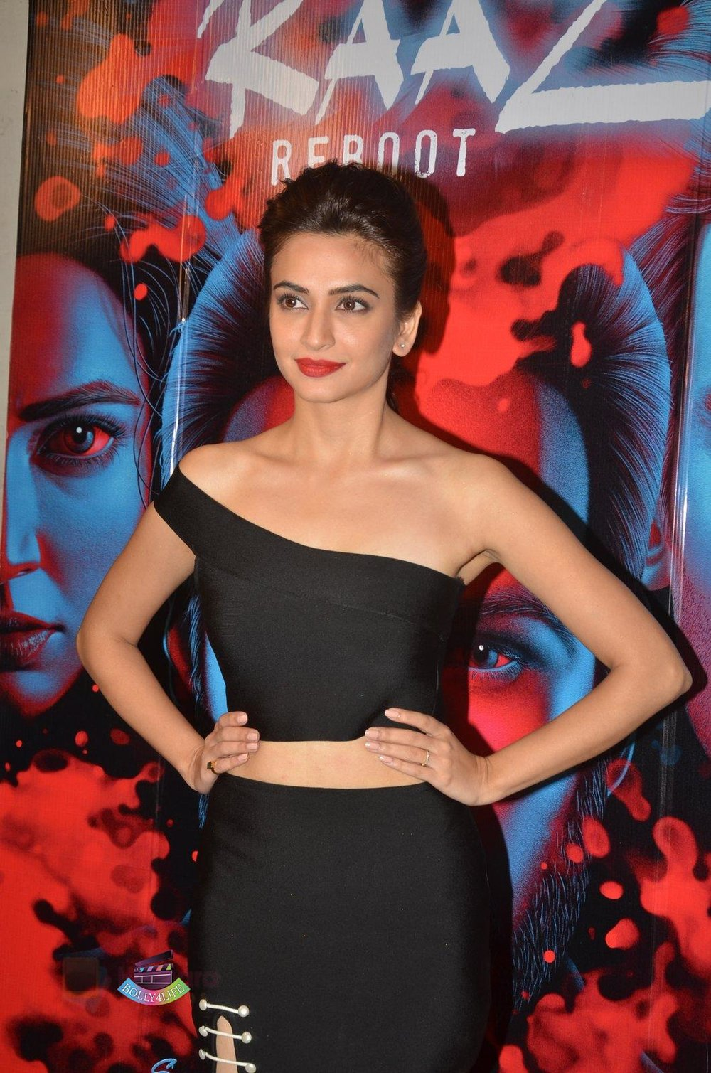 Kriti-Kharbanda-at-Media-meet-of-Raaz-Reboot-in-Mehboob-Studio-on-8th-Sept-2016-81.jpg