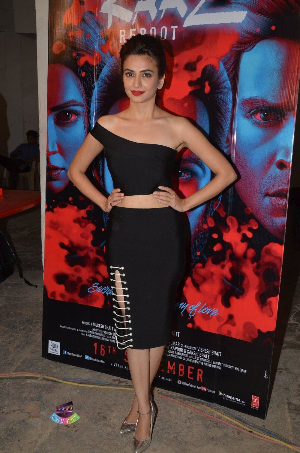 Kriti-Kharbanda-at-Media-meet-of-Raaz-Reboot-in-Mehboob-Studio-on-8th-Sept-2016-83.jpg