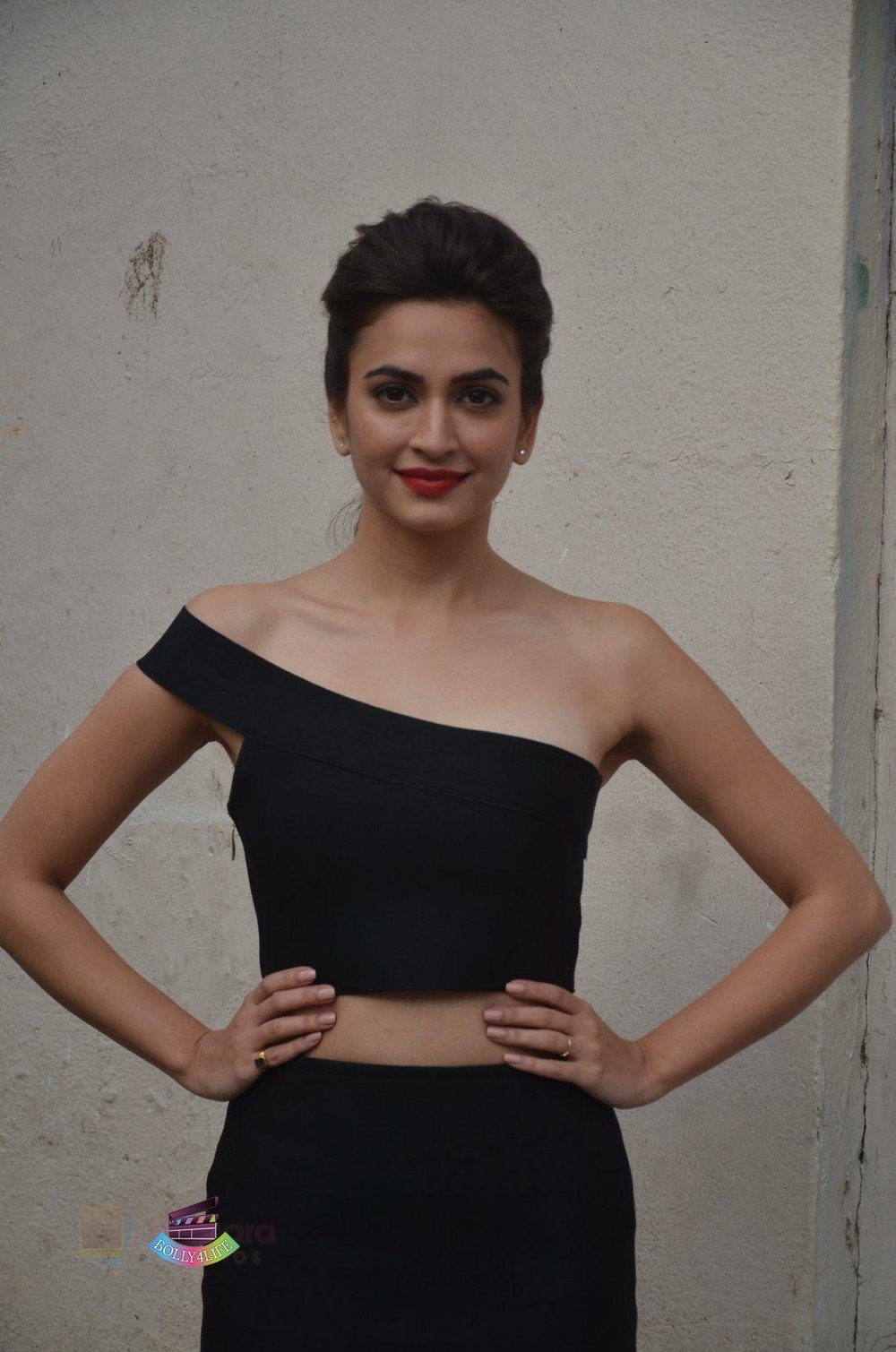 Kriti-Kharbanda-at-Media-meet-of-Raaz-Reboot-in-Mehboob-Studio-on-8th-Sept-2016-103.jpg