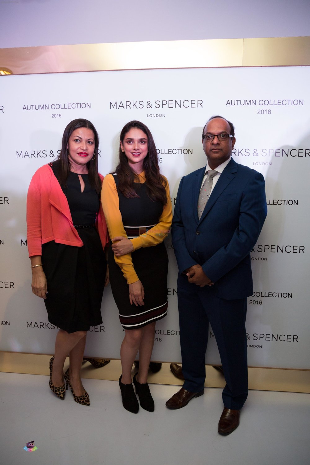 Thenny-MejiaAdit-Rao-Hydari-Venu-Nair-MD-Marks-Spencer-Reliance-India-at-the-Autumn-16-Launch-at-DLF-Mallof-India.jpg