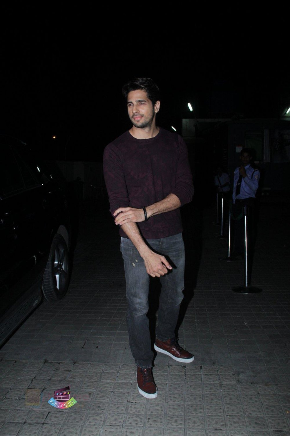 Sidharth-Malhotra-at-Baar-Baar-Dekho-Screening-on-8th-Sept-2016-221.jpg