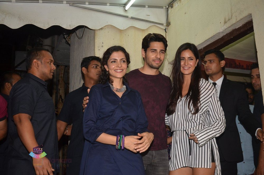 Sidharth-Malhotra-Katrina-Kaif-at-Baar-Baar-Dekho-Screening-on-8th-Sept-2016-112.jpg