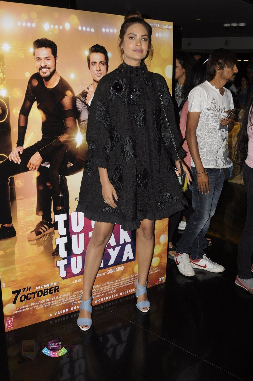 Esha-Gupta-launch-Tutak-Tutak-Tutiya-in-Mumbai-on-8th-Sept-2016-26.jpg