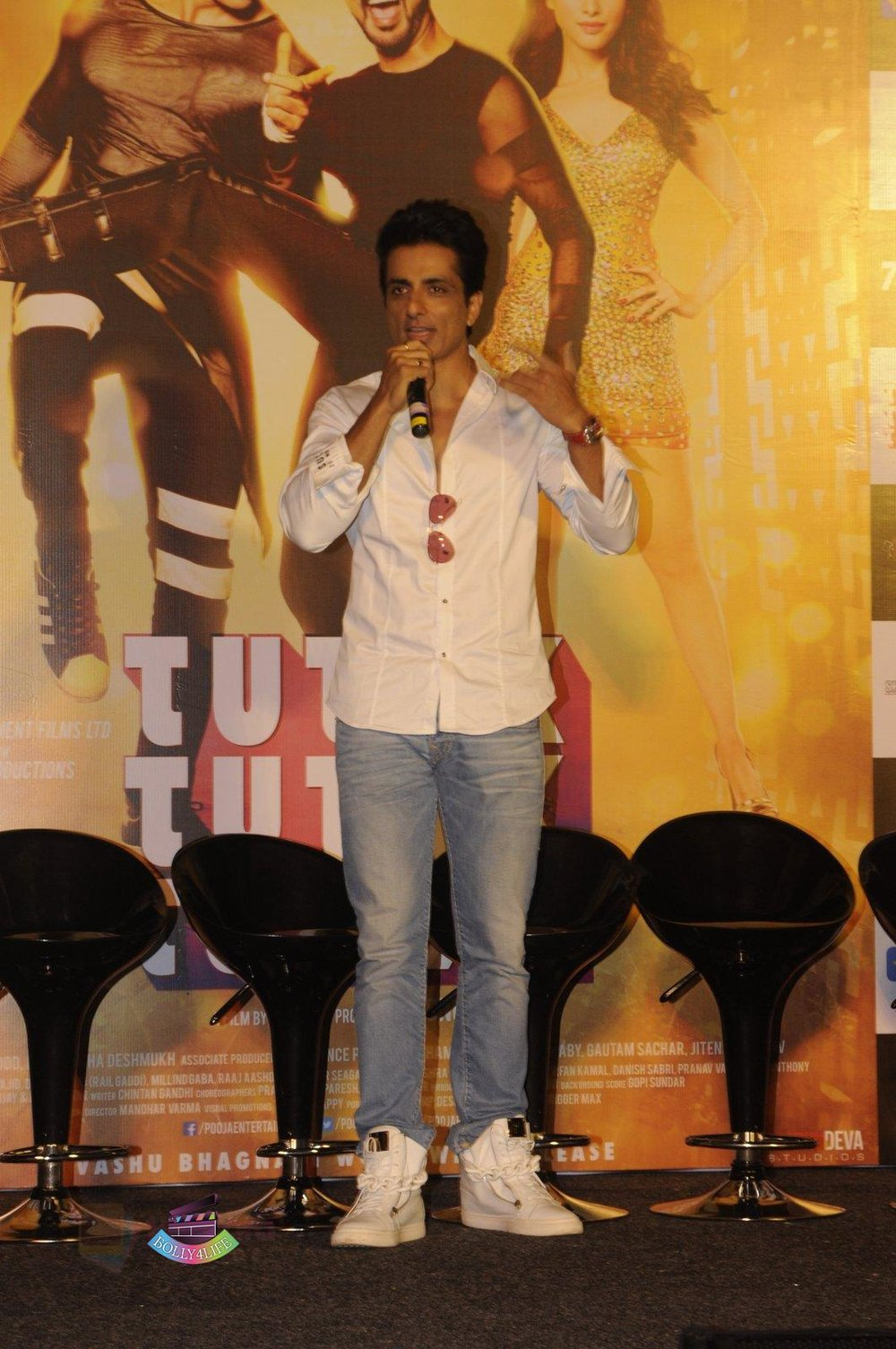 Sonu-Sood-launch-Tutak-Tutak-Tutiya-in-Mumbai-on-8th-Sept-2016-20.jpg