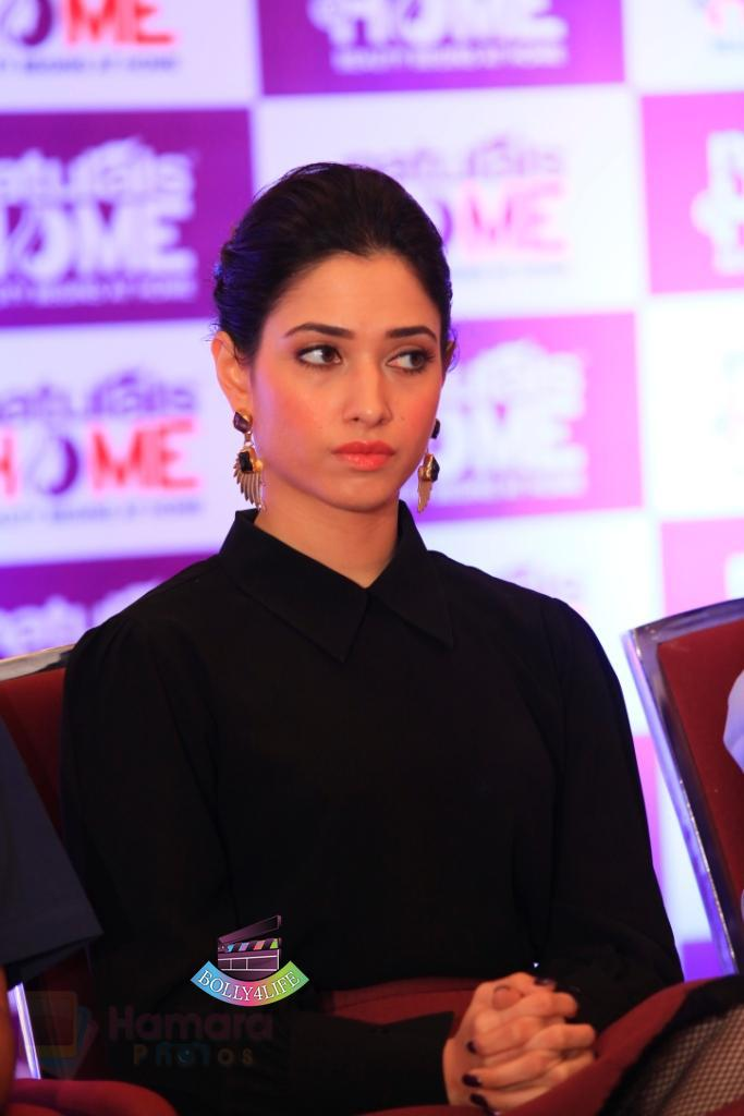 Tamannaah-Bhatia-Launches-Naturals-at-Home-on-23rd-Aug-2016-59.jpg