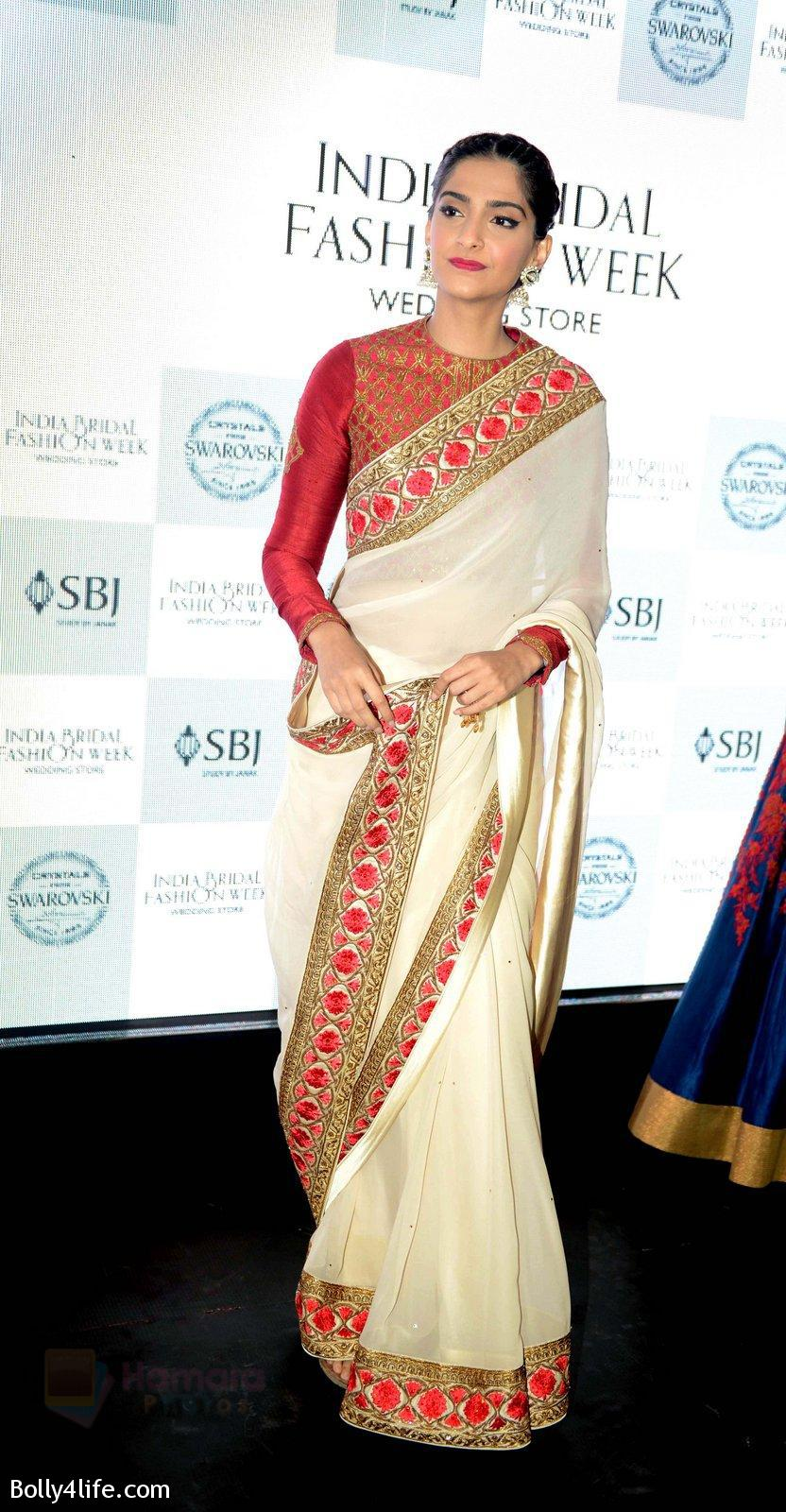 Sonam-Kapoor-during-the-launch-of-the-first-Indian-Bridal-Fashion-Week-Wedding-Store-in-New-Delhi-on-9th-Sept-2016-21.jpg