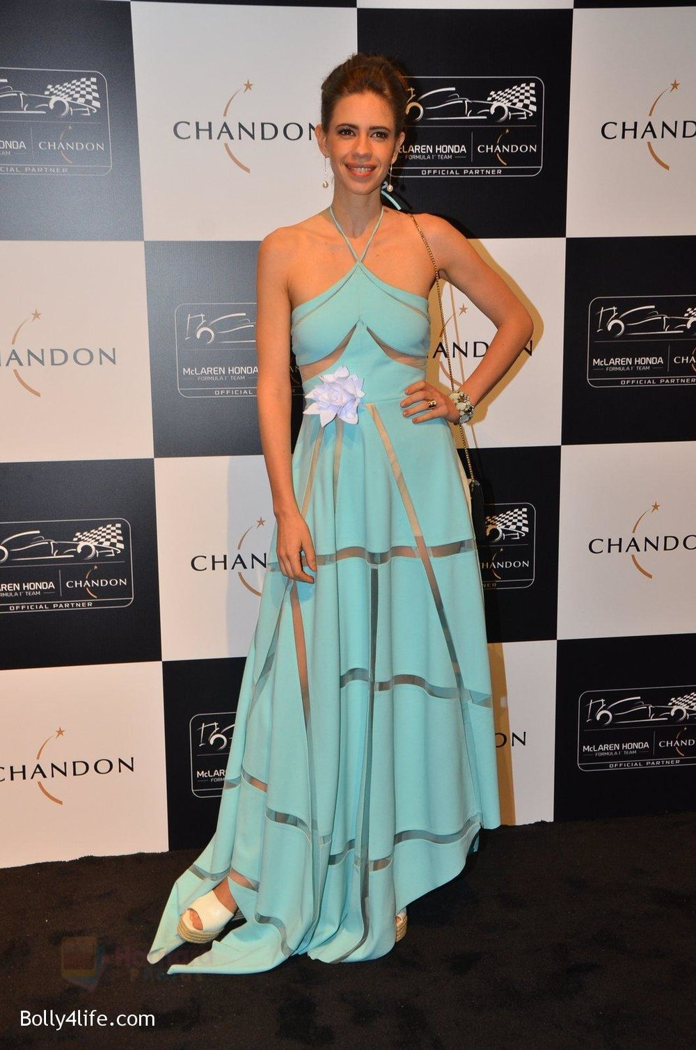 Kalki-Koechlin-at-the-unveiling-Chandon-X-McLaren-Honda-installation-in-Mumbai-on-9th-Sept-2016-41.jpg