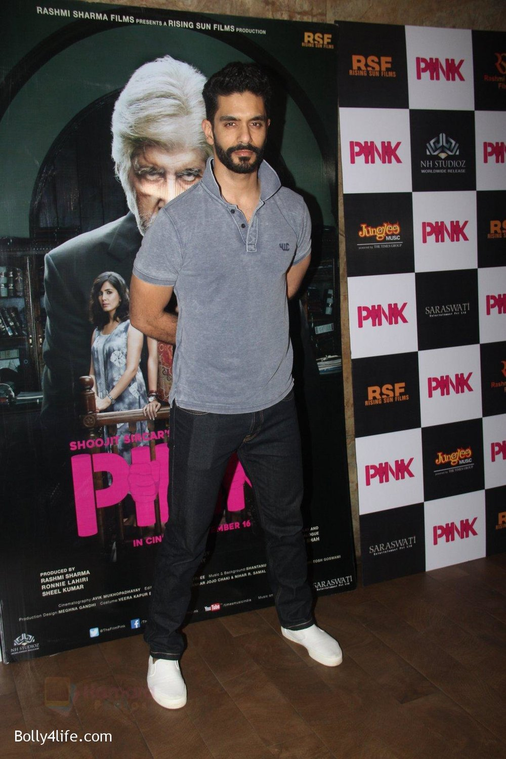 Angad-Bedi-at-Pink-Screening-in-Lightbox-on-12th-Sept-2016-13.jpg