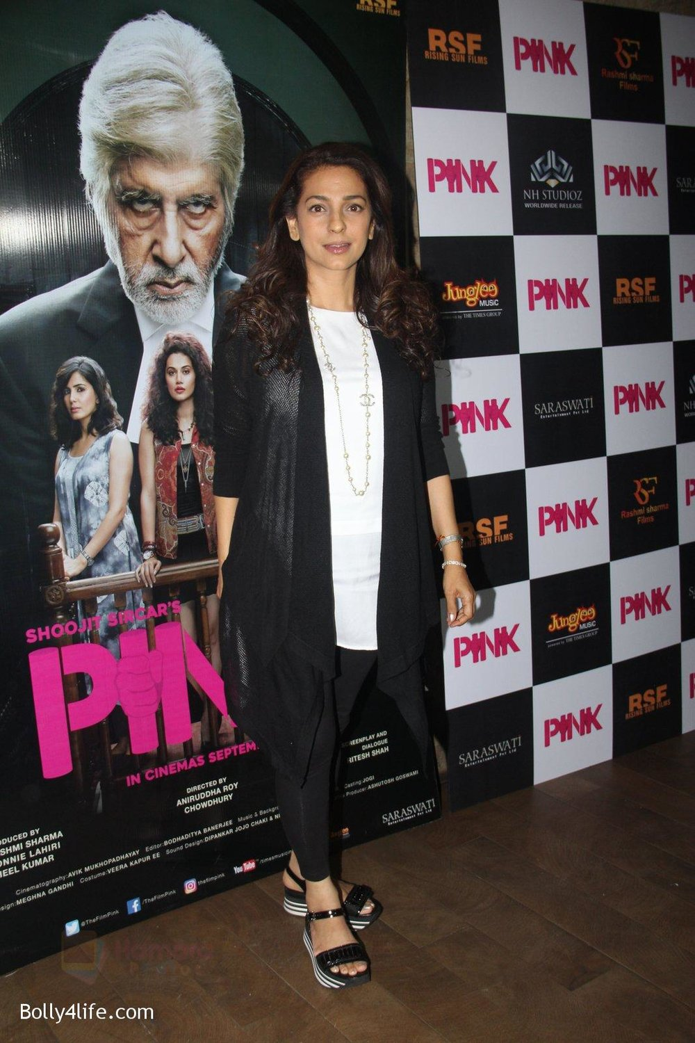 Juhi-Chawla-at-Pink-Screening-in-Lightbox-on-12th-Sept-2016-88.jpg